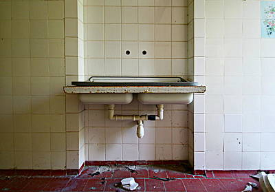 Ceramic Sinks Photograph - Laundry Room by Heike Hultsch