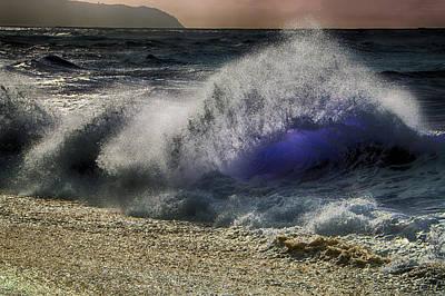 Haleiwa Photograph - Lightwave by Douglas Barnard