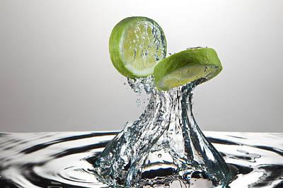 Lime Freshsplash Print by Steve Gadomski