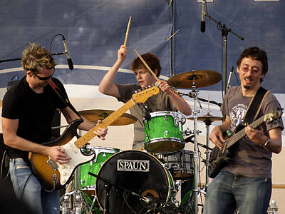 Fender Strat Photograph - Lincoln Brewster And Band by Bill Gallagher