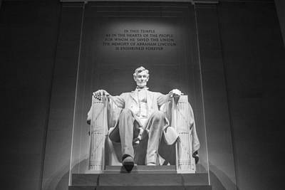Lincoln Memorial In Black And White Print by John McGraw