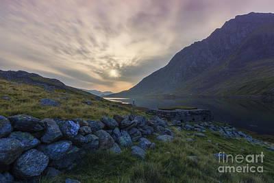 Llyn Ogwen Sunrise Print by Ian Mitchell