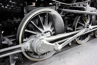 Locomotive 1095 Drive Wheels Print by Paul Wash