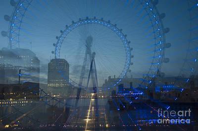 London Eye Digital Art - London Eye Zoom Burst by Donald Davis
