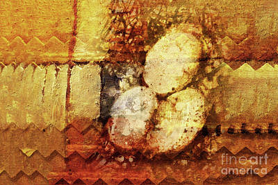Egg Mixed Media - Look What I Found by Lutz Baar