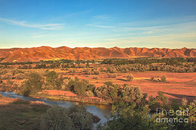 Landsacape Photograph - Looking East by Robert Bales