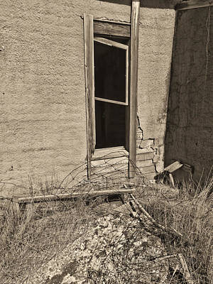 South Dakota Photograph - Looking In Bw by Cathy Anderson
