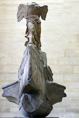 Louvre The Winged Victory Of Samothrace Print by Samantha Ridgway