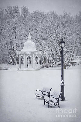 New England Photograph - Love Through The Winter by Evelina Kremsdorf