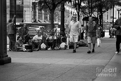 Chicago Photograph - Lunch Time by Frank J Casella