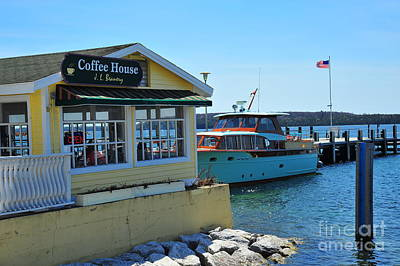 Lakes Photograph - Mackinac Island Coffee House by Terri Gostola