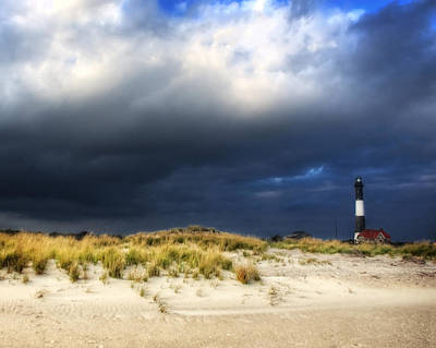 Magical Light At The Lighthouse Print by Vicki Jauron