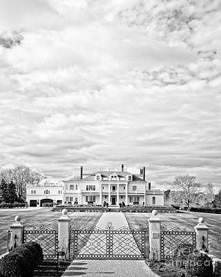 Landscaped Grounds Photograph - Mansion Rye New Hampshire Open Edition by Edward Fielding