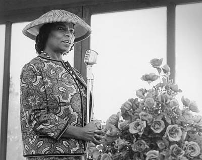 African-american Photograph - Marian Anderson by Underwood Archives