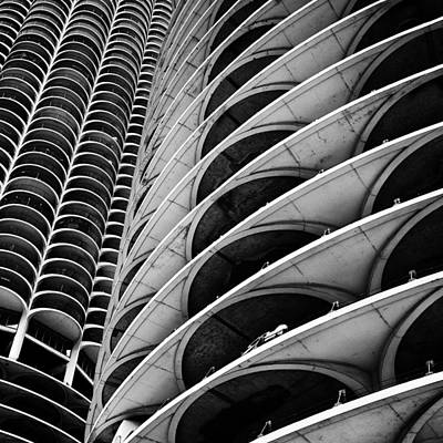 Architectural Abstract Photograph - Marina City - Chicago 3 by Niels Nielsen