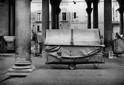 Antic Car Photograph - Market Il Porcellino In Florence Italy by Daniel Sanchez Blasco