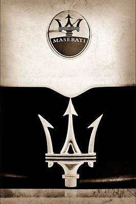 Maserati Photograph - Maserati 2005 Mc12 Grille Emblem by Jill Reger