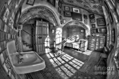 Master Bedroom At Fonthill Castlebw Print by Susan Candelario