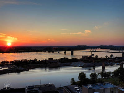 Memphis Sunset On The Mississippi 001 Print by Lance Vaughn
