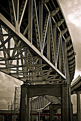 Pyrography Photograph - Mississippi Truss In New Orleans by Ray Devlin
