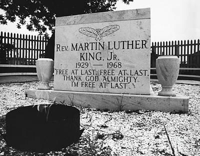 Discrimination Photograph - Mlks Original Grave by Tom McHugh