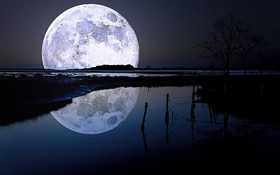 Moon Digital Art - Moon At Night by Gianfranco Weiss