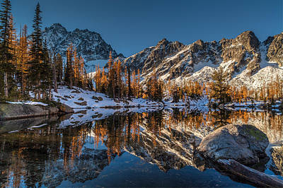 Morning At Horseshoe Lake Print by Mike Reid