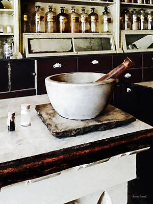 Mortar And Pestle In Apothecary Print by Susan Savad