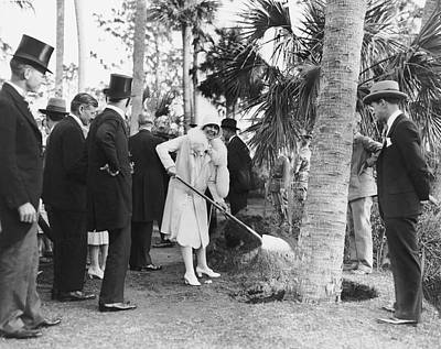 Calvin Photograph - Mrs. Calvin Coolidge Planting by Underwood Archives