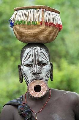 African People Photograph - Mursi Woman With Lip Plate And Basket by Tony Camacho