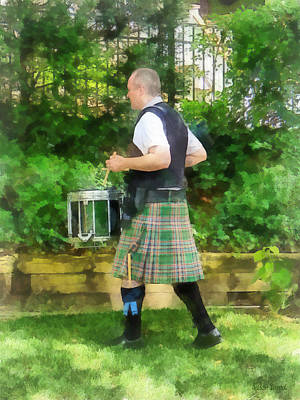 Music - Drummer In Pipe Band Print by Susan Savad