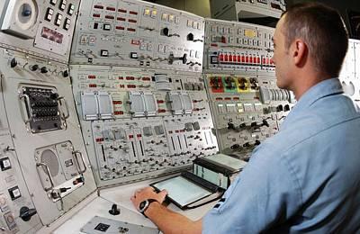 Simulator Photograph - Naval Simulator Training by Us Navy/chris Desmon