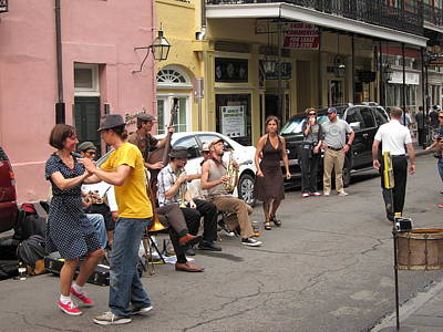 Citylife Photograph - New Orleans - Seen On The Streets - 121233 by DC Photographer