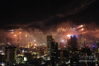 New Year Fireworks Print by Ray Warren