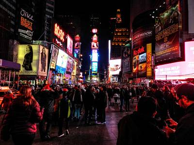 New York - Times Square 001 Print by Lance Vaughn