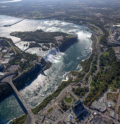 Igor Baranov Photograph - Niagara Falls by Igor Baranov