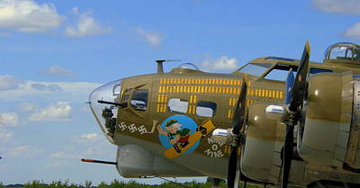Nose Art Photograph - Nine O Nine by Claude Oesterreicher