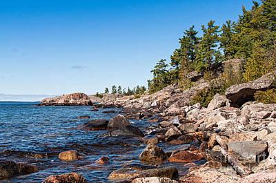 Ontario Photograph - North Shore Of Lake Superior by Les Palenik