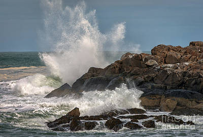 Nubble Lighthouse Waves 1 Print by Scott Thorp