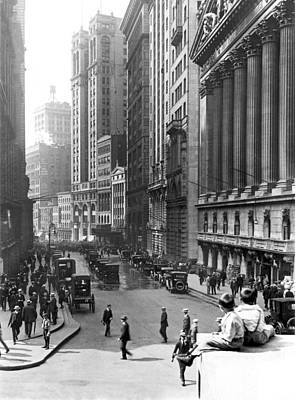 Black Commerce Photograph - Nyc Financial District by Underwood Archives