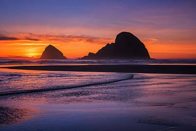 Beach Iphone Case Photograph - Oceanside Sunset by Darren  White