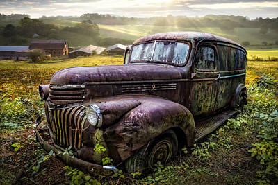 Barn In Tennessee Photograph - Old Dairy Farm Truck by Debra and Dave Vanderlaan