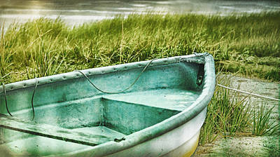 Rowboat Mixed Media - Old Dinghy On The Beach Cape Cod Ma Retro Feel by Marianne Campolongo