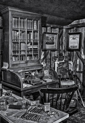 Ailing Photograph - Old Fashioned Doctor's Office Bw by Susan Candelario