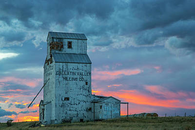 Granary Photograph - Old Granary With Sunset Clouds by Chuck Haney
