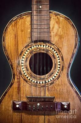 Note Photograph - Old Guitar by Carlos Caetano