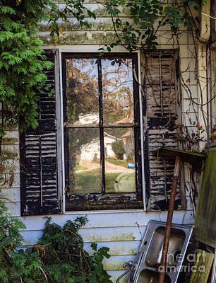 Old House Window Print by Iris Richardson