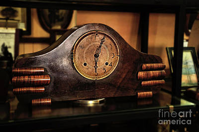 Old Mantelpiece Clock Print by Kaye Menner