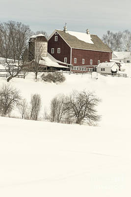 Old Red New England Barn In Winter Print by Edward Fielding