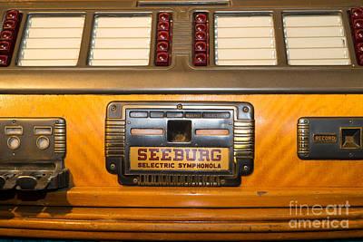 Juke Box Photograph - Old Vintage Seeburg Jukebox Dsc2805 by Wingsdomain Art and Photography